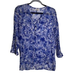 Grand and Greene Blue and white tunic flowy